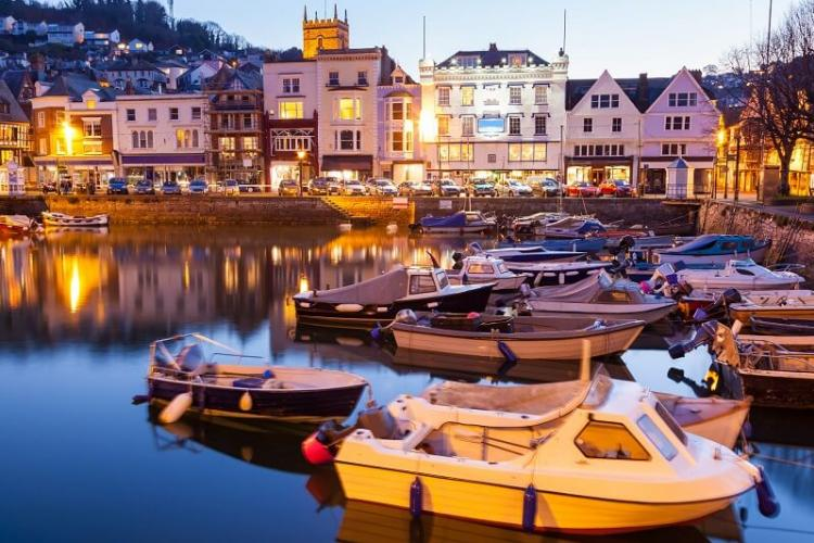5 of the Best Small Towns to Visit in South Devon